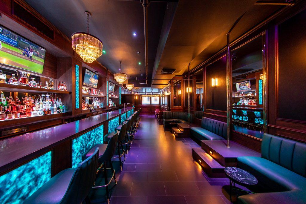 FlashDancers Downtown Bar 1