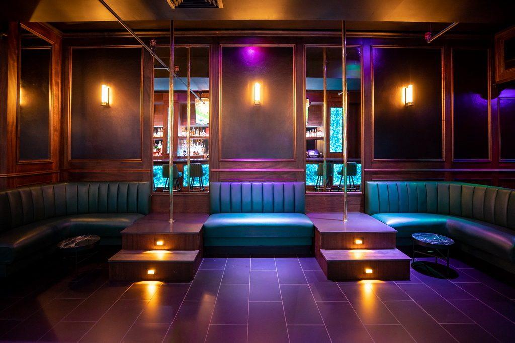 FlashDancers Downtown Bar 4