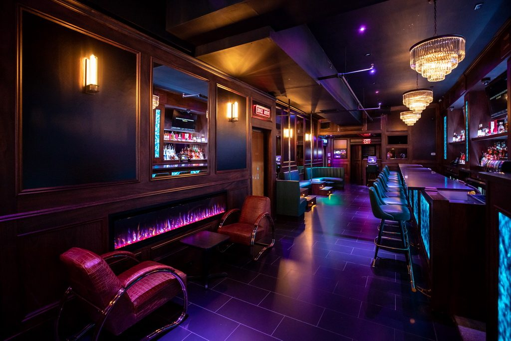 FlashDancers Downtown Bar 5